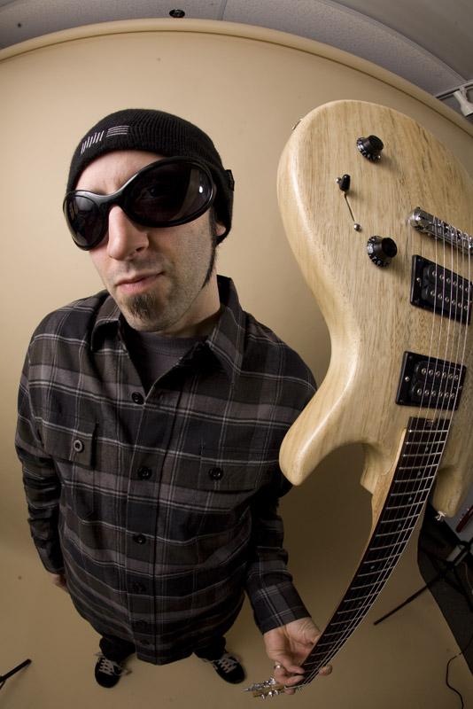 Chris Buono – Multi-Media Guitar Madman